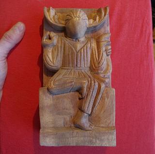 Altarfigur Gehörnter Gott, handgeschnitzt