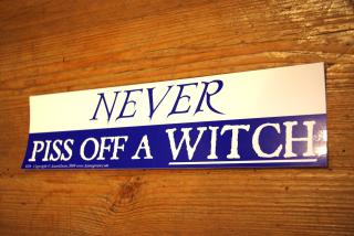 Aufkleber Never Piss off a Witch
