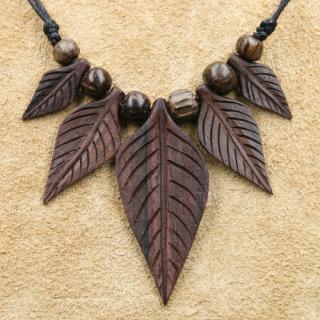 Amulett Anhänger Blätter der Weltenesche, Holz