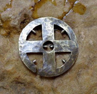 Nullpunkt Amulett Sonnenrad ur-speichig
