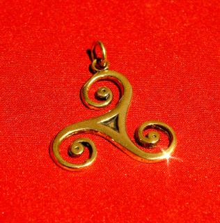 Amulett Anhänger Triskele, groß, Bronze