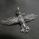 Amulett Anhänger Großer Rabe fliegend , Silber...